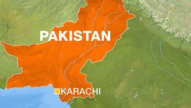 صورة أسفر انفجار مبنى في كراتشي عن مقتل خمسة أشخاص على الأقل في باكستان