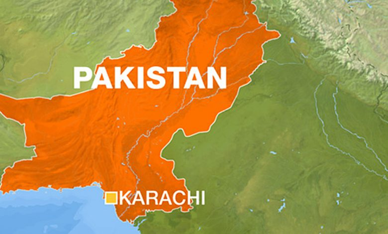 أسفر انفجار مبنى في كراتشي عن مقتل خمسة أشخاص على الأقل في باكستان