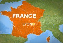 صورة أصيب قس أرثوذكسي يوناني بجروح في إطلاق نار في فرنسا ، وفر المهاجم من فرنسا
