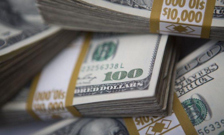 بلغ عجز الميزانية الأمريكية 3.1 تريليون دولار ، أي ضعف الرقم القياسي السابق.