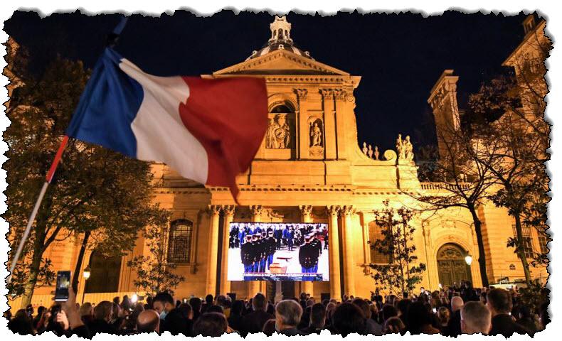 """فرنسا: مدرس قاتل فرنسا الذي """"اشتبك"""" مع المقاتلين السوريين"""
