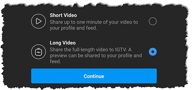 اضغط على شاشة تسجيل الدخول لتطبيق IGTV على الهاتف بإصبعك.