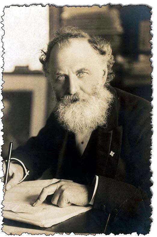 صورة وليام تي ستيد بواسطة إي إتش ميلز ، 1905 ، المجال العام.