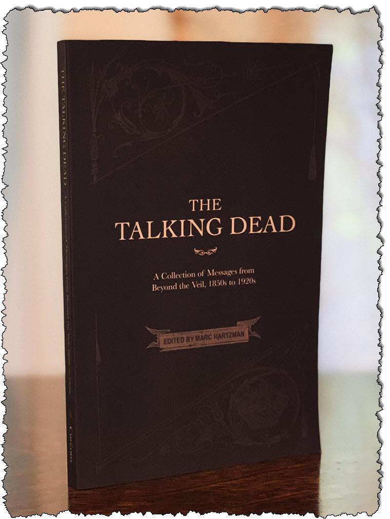 The Talking Dead: مجموعة رسائل من الحجاب من خمسينيات القرن التاسع عشر إلى عشرينيات القرن الماضي.  (منشور فضولي)