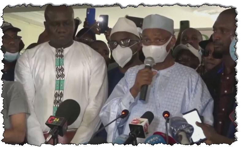 انتهت ولاية رئيس غينيا ، واندلع إطلاق نار في غينيا.