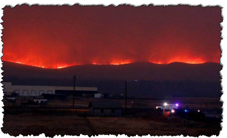 حرائق الغابات في كولورادو التي حطمت الرقم القياسي تفرض المزيد من عمليات الإجلاء من الولايات المتحدة وكندا