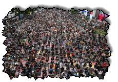 صورة تجمع المتظاهرون في بانكوك بتايلاند بعد استقالتهم