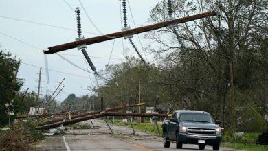صورة قد تتوجه زيتا إلى الولايات المتحدة بعد أن ضرب إعصار يوكاتان   المكسيك