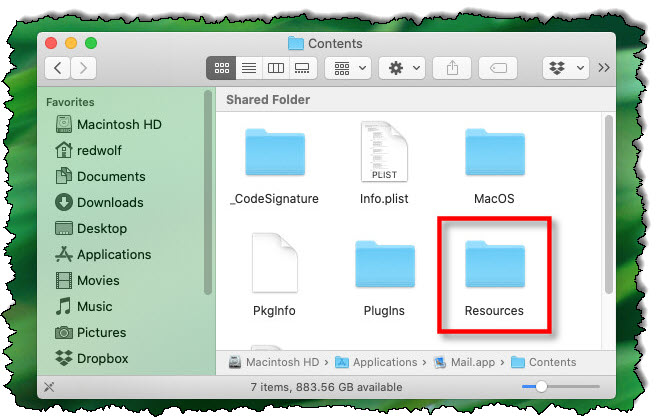 """في حزمة تطبيقات Mac ، افتح """"مصادر"""" مجلد."""