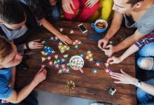 صورة أفضل طاولة لعبة لوحة تستحق لفة النرد – مراجعة المهوس