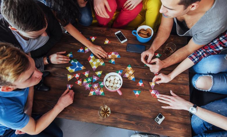 أفضل طاولة لعبة لوحة تستحق لفة النرد - مراجعة المهوس