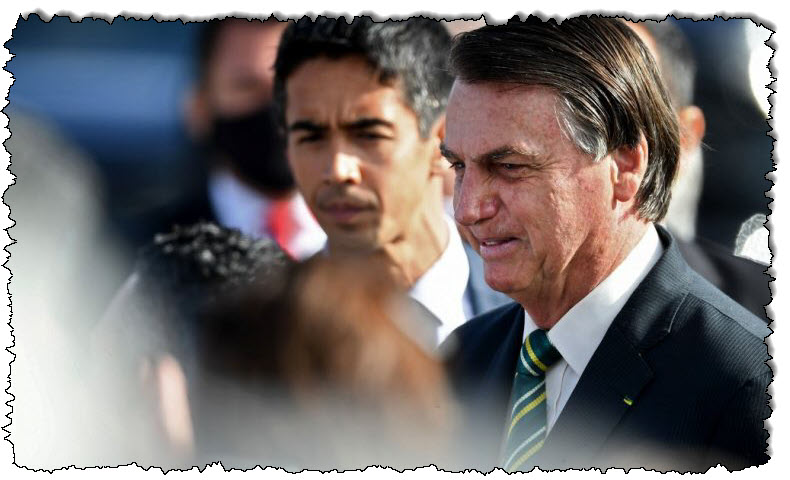 """البرازيل بولسونارو يسمي إغلاق COVID-19 الجديد بأمريكا اللاتينية بأنه """"مجنون"""""""