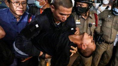 """صورة تم إرسال """"الزعيم الديمقراطي"""" التايلاندي إلى المستشفى بعد """"خنقه"""" في تايلاند"""