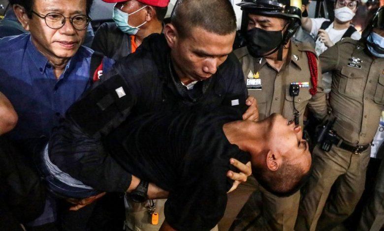 """تم إرسال """"الزعيم الديمقراطي"""" التايلاندي إلى المستشفى بعد """"خنقه"""" في تايلاند"""