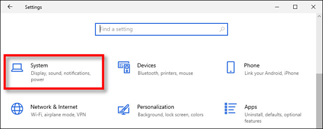 """في إعدادات Windows 10 ، انقر فوق """"النظام."""""""