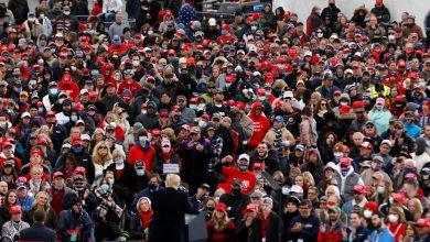 صورة توصلت الأبحاث إلى أن مسيرة ترامب مرتبطة بآلاف حالات COVID-19 في الولايات المتحدة وكندا