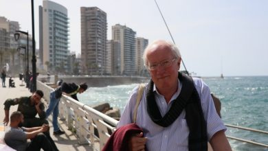 صورة تذكر روبرت فيسك: معلمه | أخبار الشرق الأوسط