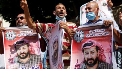 صورة فلسطينيون تحتجزهم إسرائيل ينهون إضرابهم عن الطعام في الشرق الأوسط بعد 103 أيام