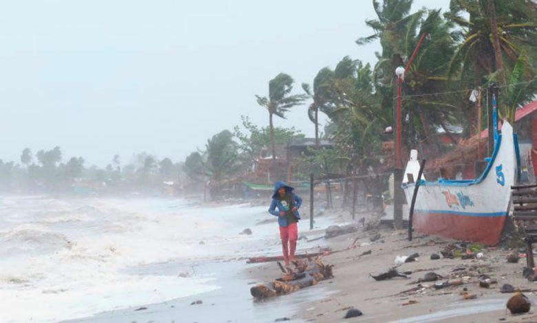 يضرب الإعصار السوبر غوني الفلبين ، وتم إجلاء مليون شخص من الفلبين