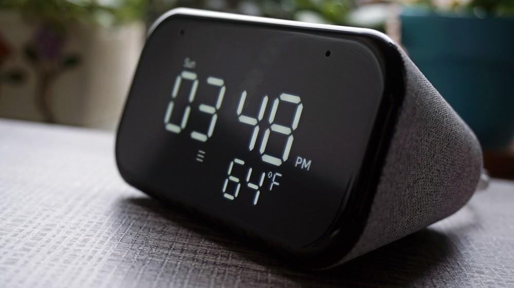 شاشة Lenovo Smart Clock Essential