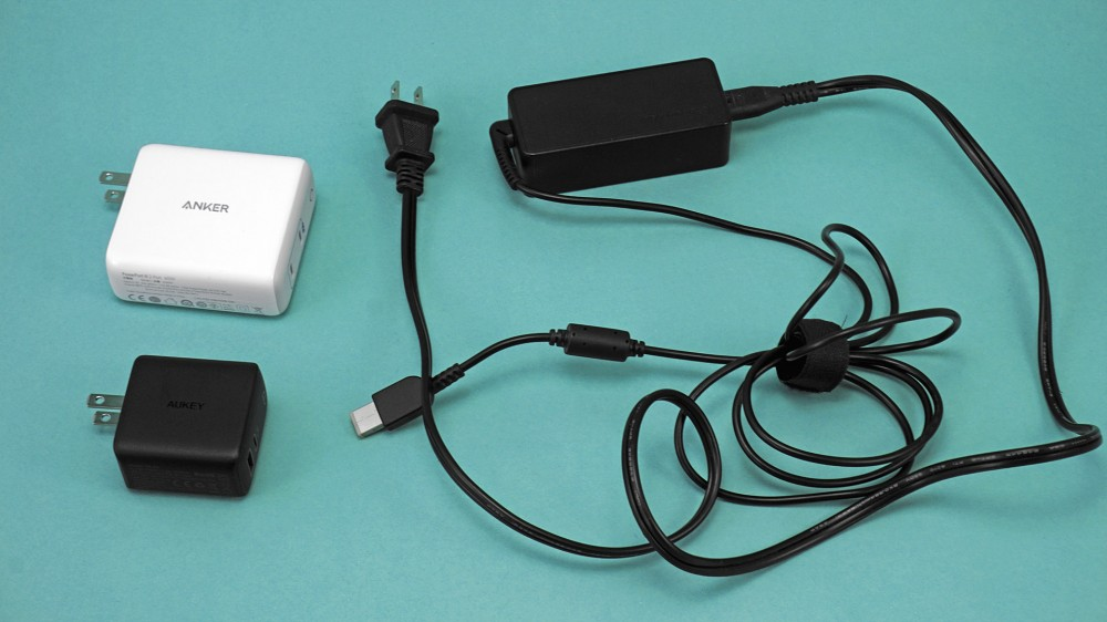 PowerPort III و Aukey Omnia ، محول التيار المتردد القياسي ThinkPad