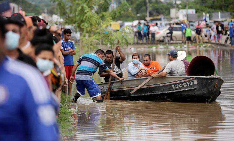 تسبب الإعصار إيتا في مقتل العشرات ، ولا تزال أمريكا الوسطى في حالة تأهب قصوى ، وهندوراس