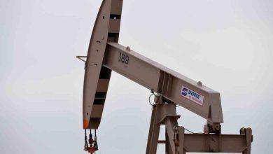 صورة أعيد افتتاح مصفاة نفط تكساس بعد تجميد شديد ، وارتفعت أسعار النفط وانخفضت أخبار الأعمال والاقتصاد المختلطة