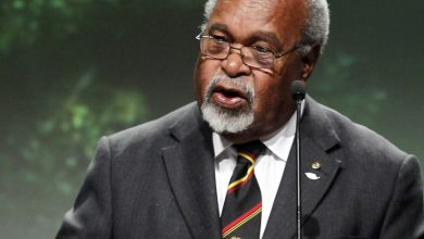 """صورة توفي مايكل سوماري ، """"أبو البلاد"""" في بابوا غينيا الجديدة ، عن عمر يناهز 84 عامًا. تقرير أخبار الاتحاد الدولي للاتصالات"""