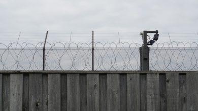 صورة إعادة الحق في التنفس: يجب إنهاء احتجاز المهاجرين | Migration News