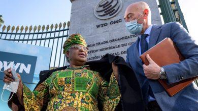 صورة تحسن أوكونجو إيويالا النيجيرية عدالة اللقاحات في اليوم الأول لمنظمة التجارة العالمية | أخبار جائحة فيروس كورونا