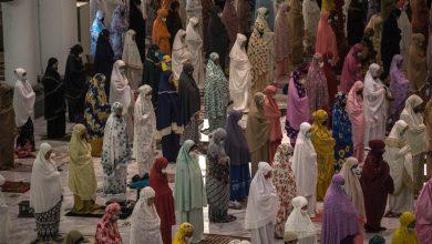 صورة المسلمون يبدأون رمضان في ظل أخبار معرض فيروس كورونا