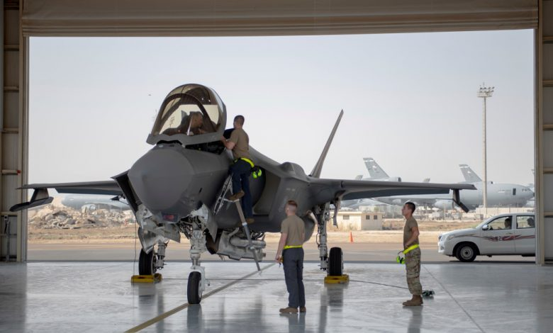 """تعهد المشرعون الأمريكيون """"بالقلق"""" ، بمراجعة استئناف الإمارات لبيع الأسلحة"""