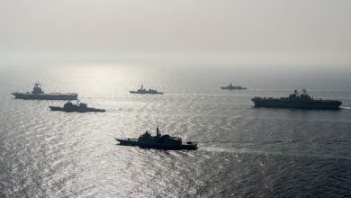 صورة قالت البحرية الأمريكية إنها أطلقت النار على سفن إيرانية في الخليج لتحذير أخبار الشرق الأوسط