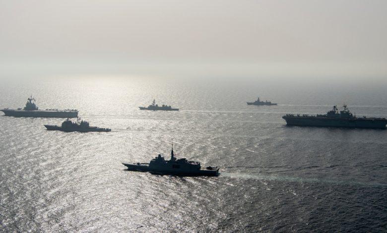 قالت البحرية الأمريكية إنها أطلقت النار على سفن إيرانية في الخليج لتحذير أخبار الشرق الأوسط