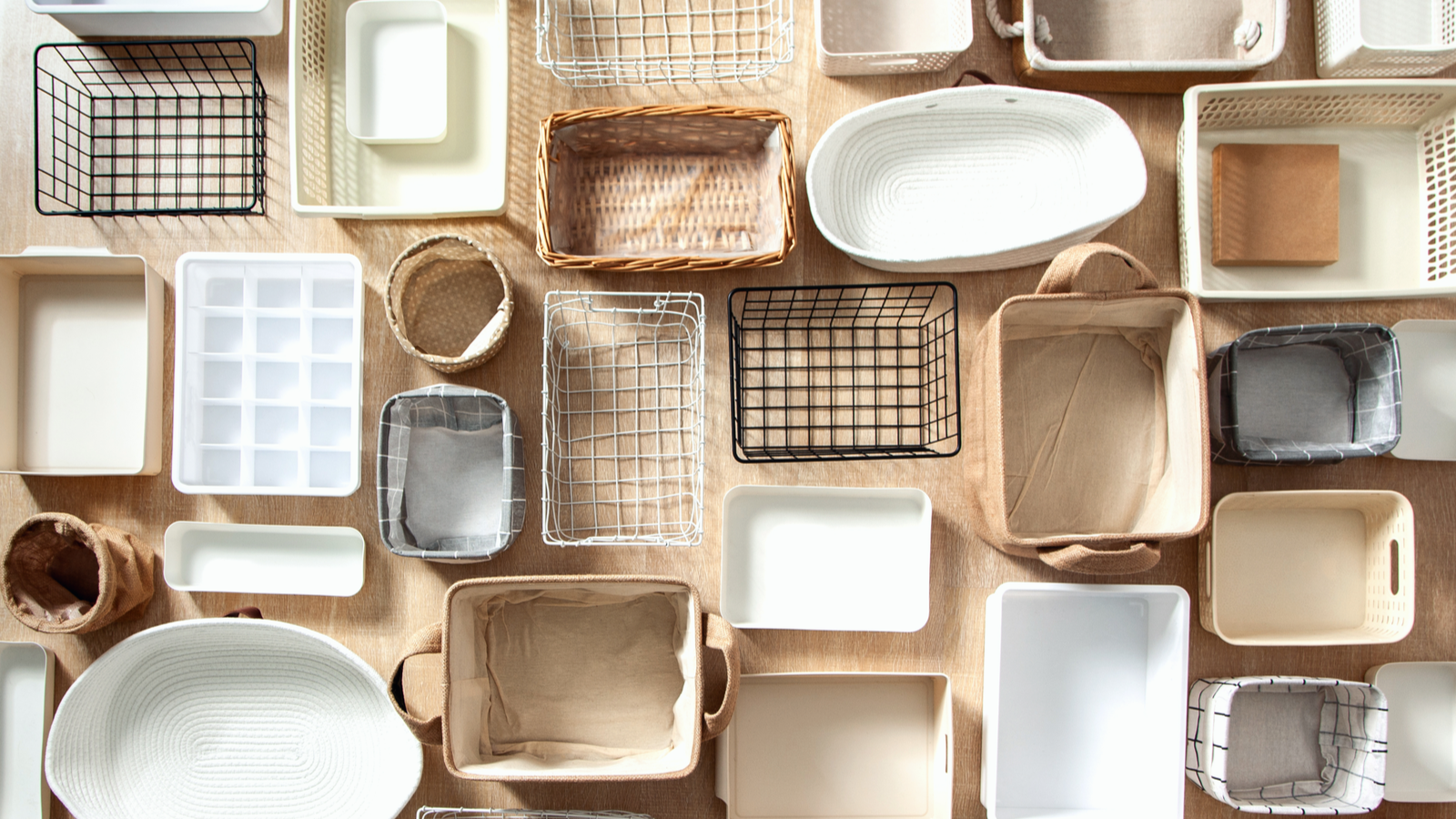صناديق تخزين البلاط من ماري كوندو وحاويات وسلال بأحجام وأشكال مختلفة
