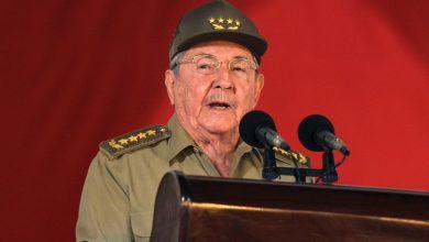 صورة راؤول كاسترو يستقيل من رئاسة الحزب الشيوعي الكوبي | فيدل كاسترو نيوز