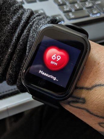 شاهد شاشة 44 معدل ضربات القلب.