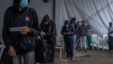 صورة البرازيل تسعى للحصول على لقاح لأن الأزمة في الهند تبطئ التسليم | أخبار أمريكا اللاتينية