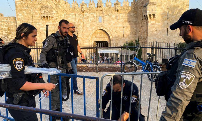 الفلسطينيون يتوجهون إلى الأقصى والقدس أنباء متوترة بشأن المسجد الأقصى