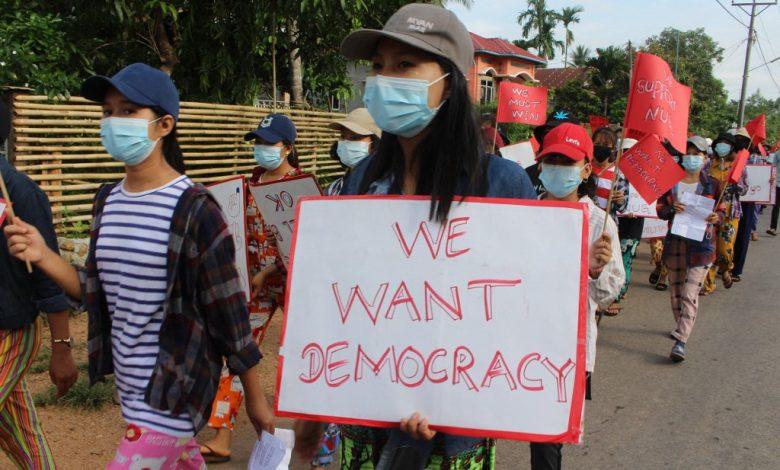 انفجرت قنبلة في ميانمار بسبب الشهر الرابع من الانقلاب احتجاجا على الأخبار العسكرية