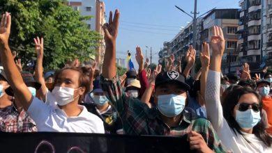 صورة وفقًا للتقارير ، قُتل ما لا يقل عن 8 أشخاص في احتجاجات مناهضة للانقلاب في أخبار الجيش في ميانمار