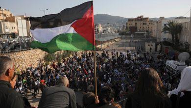 """صورة تُظهر الاحتجاجات الإسرائيلية في فلسطين أنباء صراع """"غير مسبوقة"""" توحد إسرائيل وفلسطين"""