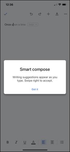 رسالة مع تمكين الكتابة الذكية في محرر مستندات Google على iPhone