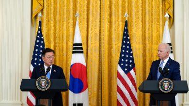 صورة بايدن يلتقي مون ويعين سفيرا جديدا للولايات المتحدة في كوريا الشمالية | جو بايدن نيوز