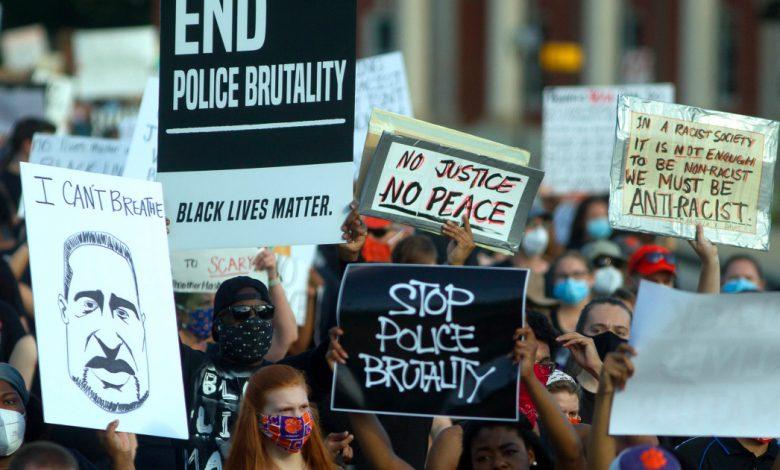 مقاطعة الولايات المتحدة توافق على 10 ملايين دولار أمريكي كتعويض عن وفاة رجل أسود في حجز الشرطة | Business Wire News on Dark Life Issues