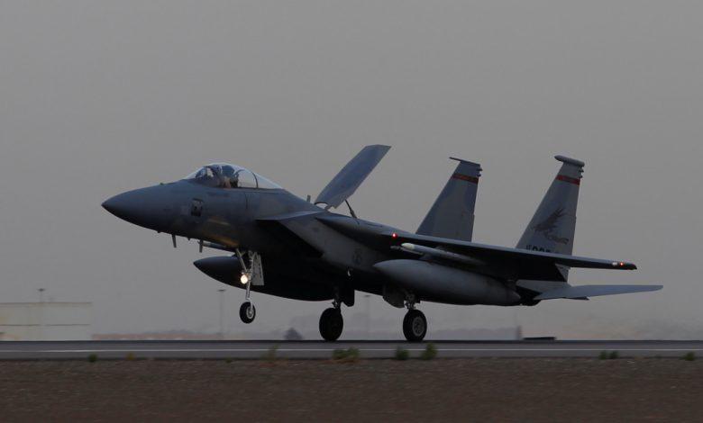 ضربات جوية امريكية على الميليشيات المدعومة من ايران في سوريا والعراق | اخبار عسكرية