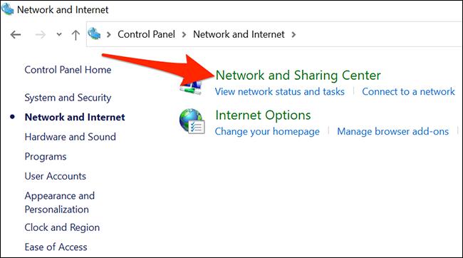"""تحديد """"مركز الشبكة والمشاركة"""" في لوحة التحكم."""