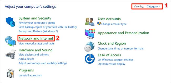 """تحديد """"شبكة تواصل وانترنت"""" في نافذة لوحة التحكم."""