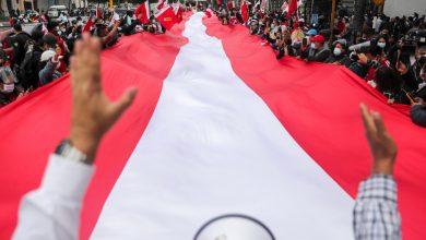 صورة لا تزال جولة الإعادة الرئاسية المستقطبة في بيرو بعيدة المنال