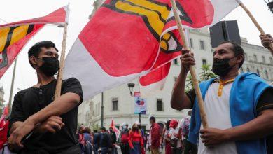 صورة بيرو المنقسمة بشدة تنتظر النتيجة النهائية للتصويت الرئاسي | أخبار الانتخابات